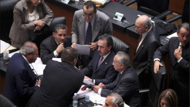 Bancada del PRI en el Senado frena eliminación del fuero