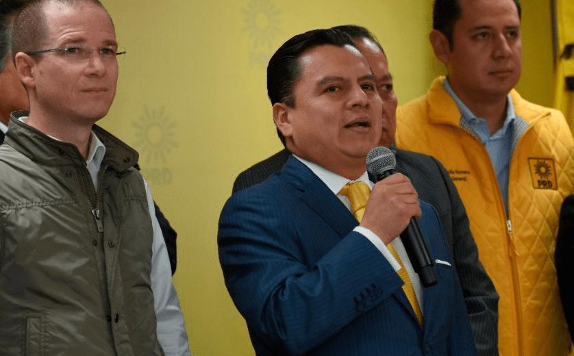 Por apoyo de Aureoles a Meade, PRD considera expulsarlo del partido