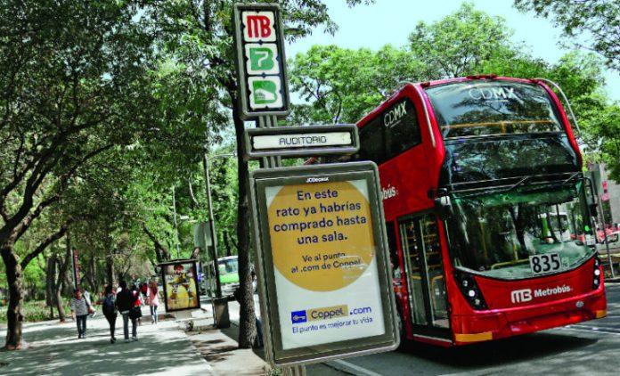 Ahora el INAH contra el Metrobús por publicidad invasiva