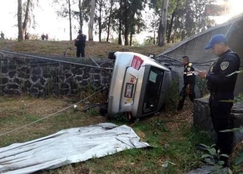 Vuelca Uber en CU; 3 personas resultaron heridas
