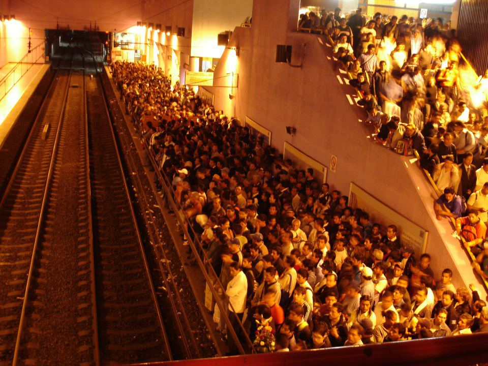 Consultora exige plan de emergencias para Metro y Metrobús