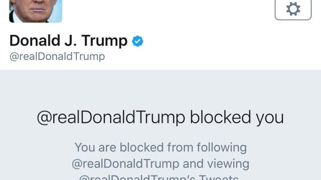 Jueza declara inconstitucional que Trump bloquee a gente en Twitter
