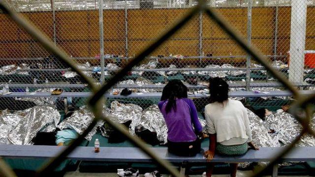 ICE detiene a niños en condiciones infrahumanas