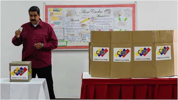 Maduro vota en elecciones presidenciales de Venezuela