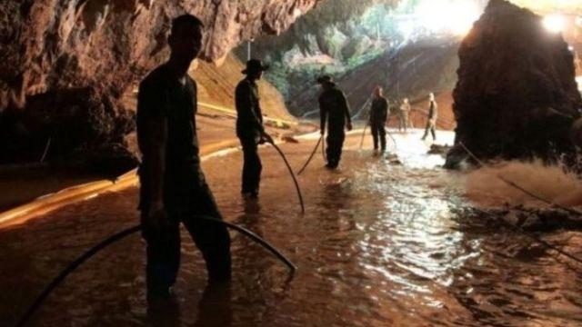 Tailandia Cueva Rescate Niños Musk Minisubmarino