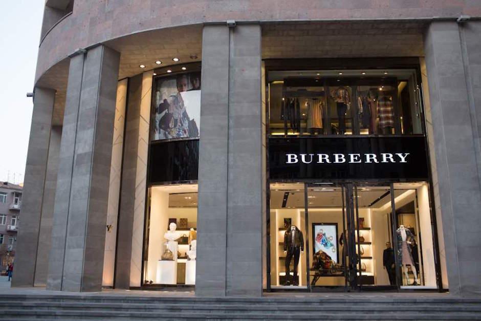 Burberry quema ropa para mantener precios altos