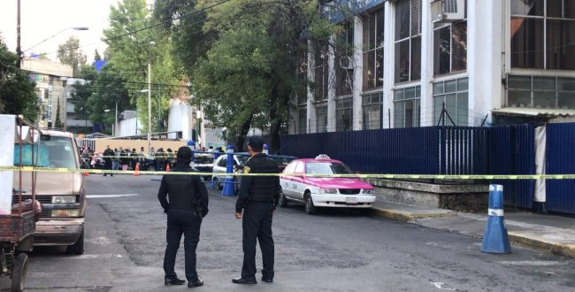 Policías disparan y matan a conductor que se negó a pararse en un retén en Iztacalco