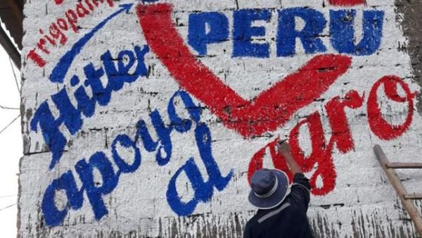 Hitler y Lenin se enfrentan en elección en Perú
