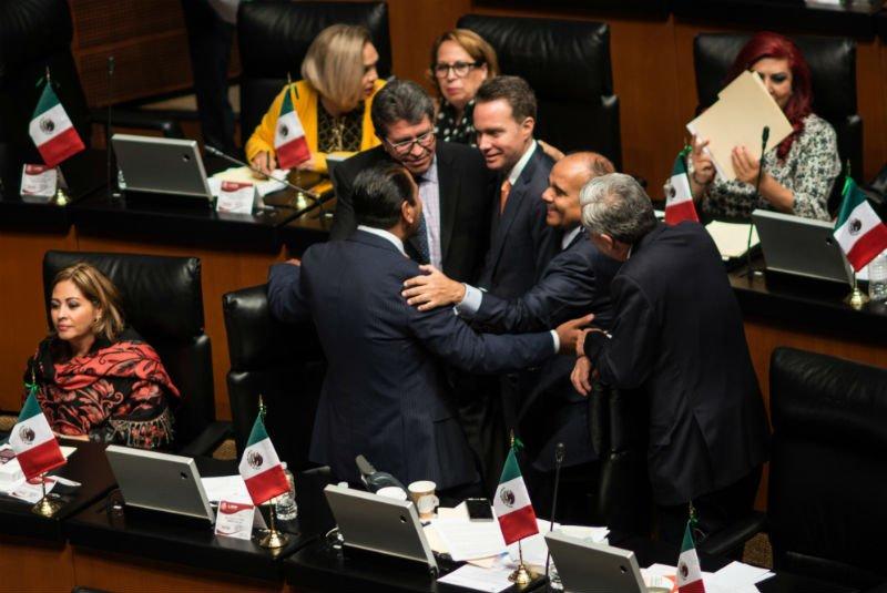 Manuel Velasco y cúpula de Morena en el Senado