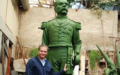 Discuten remover estatua de Porfirio Díaz en Orizaba