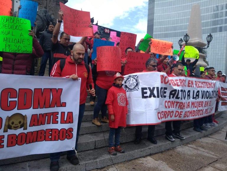 ¿Por qué protestan los bomberos en la CDMX?