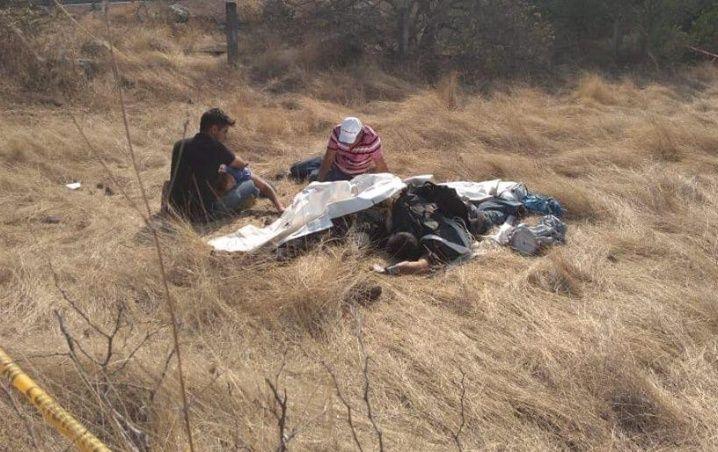 Hallazgo de los dos cuerpos de los paracaidistas cerca de la autopista Cuernavaca-Acapulco