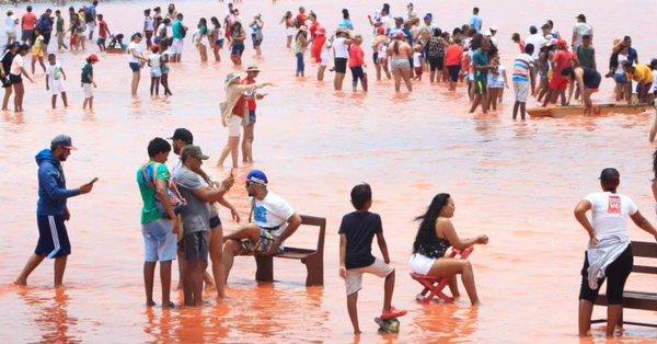 Salinas de Galerazamba en Colombia, llenas de basura debido al turismo.