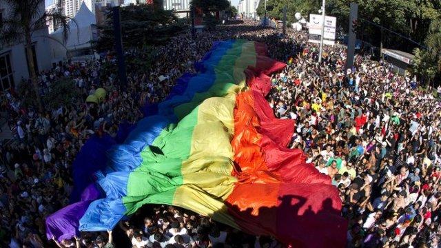 Homofobia, Brasil, Criímenes