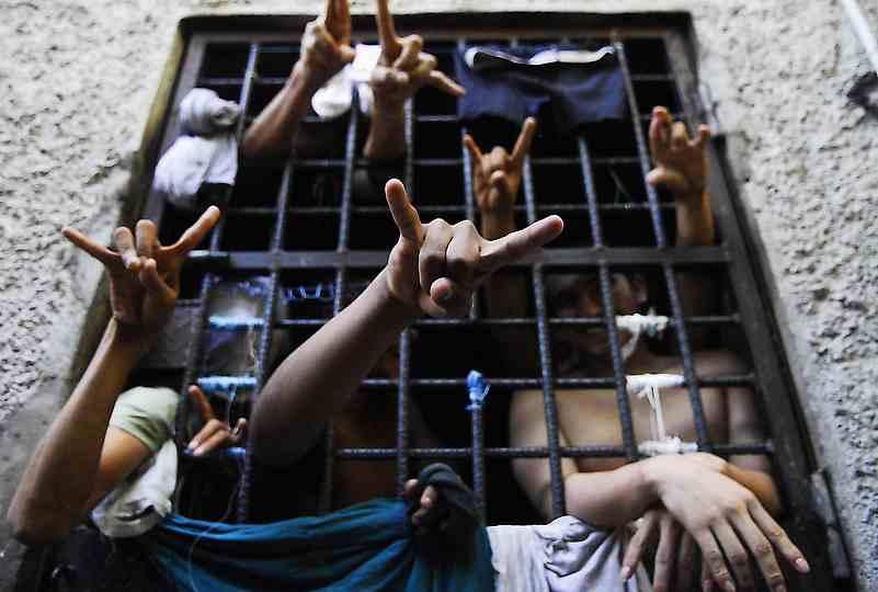 Miembros de la M-13 en cárcel de San Pedro Sula