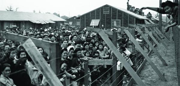 Fotografías de los campos de internamiento durante la Segunda Guerra Mundial en los Estados Unidos