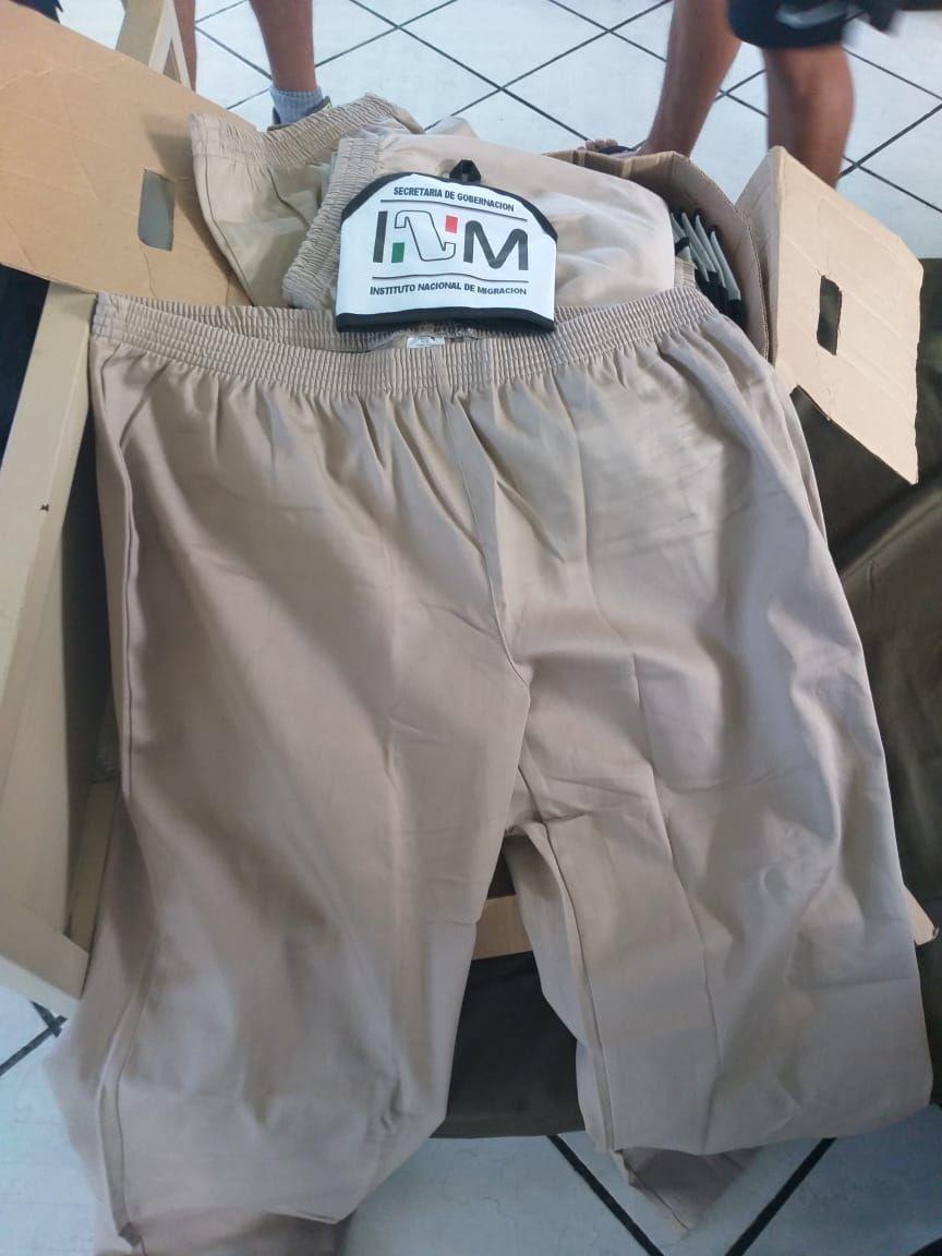 INM da uniformes demasiado granes