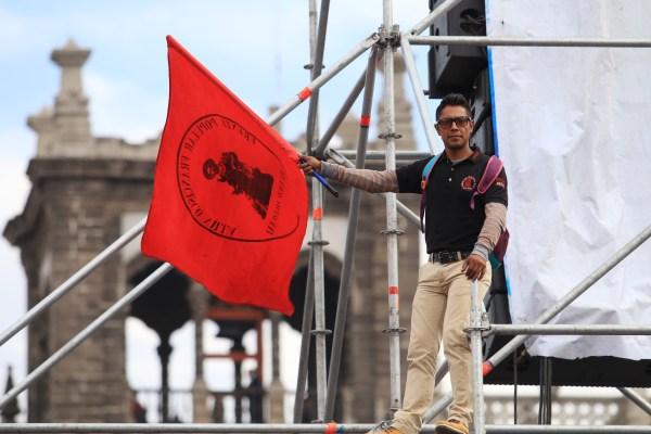 Asistentes al Informe de actividades en el Zócalo al año de la victoria de la 4T