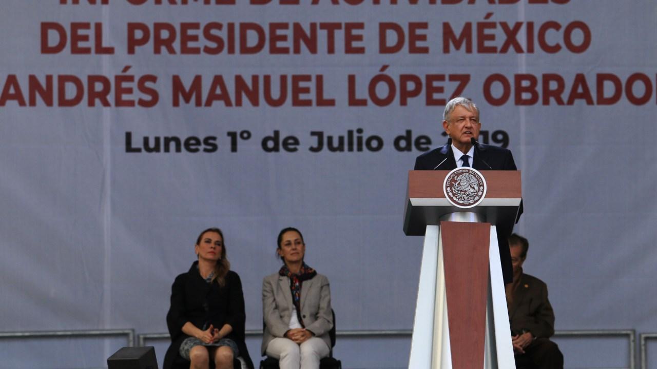 López Obrador, acompañado de Beatriz Gutiérrez, Claudia Sheinbaum y Porfirio Muñoz Ledo