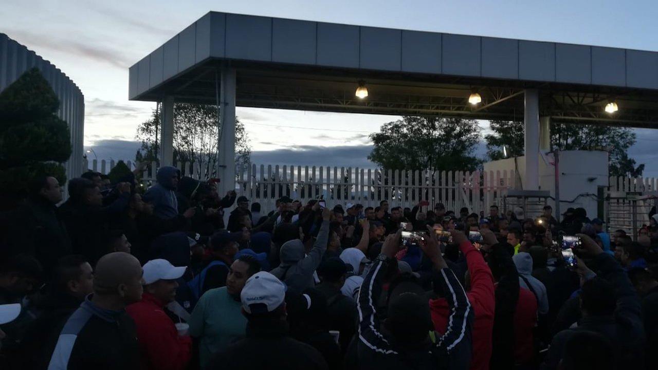 Por malas condiciones, Policía Federal protesta contra Guardia Nacional