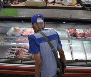Venezolanos consumían 21 kg de carne, ahora comen 3.