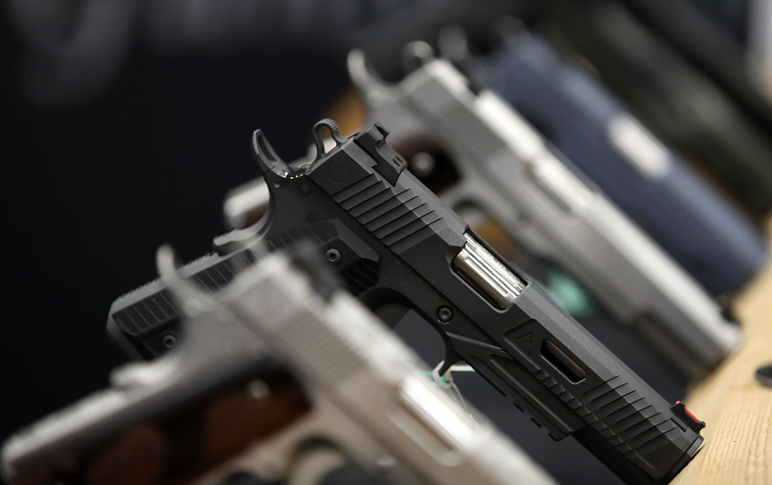 Venta de armas se dispara siempre después de masacres en EUA