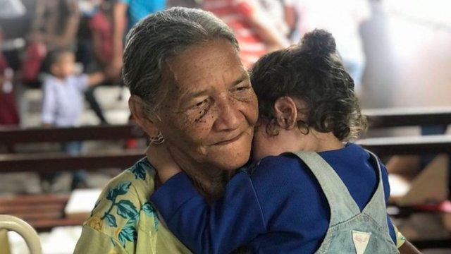 México y los abuelos que son padres de sus nietos vv