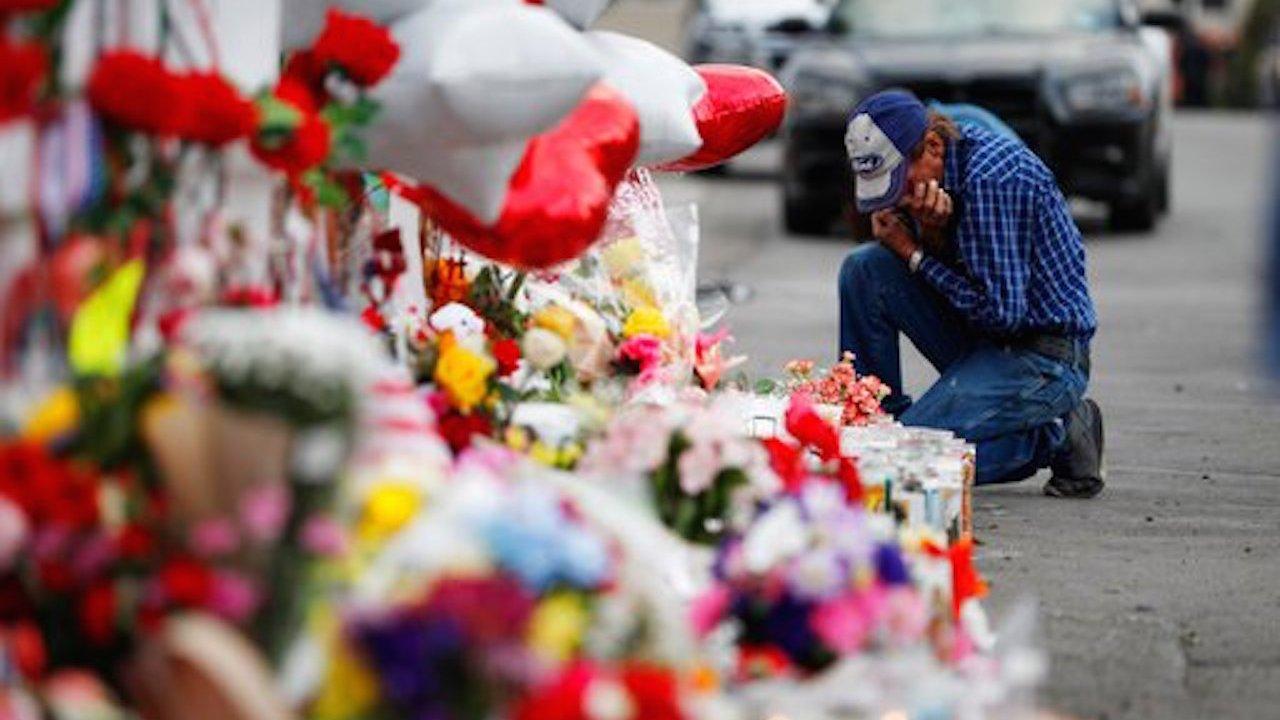 Esposo víctima de el Paso Texas invita a gente a funeral