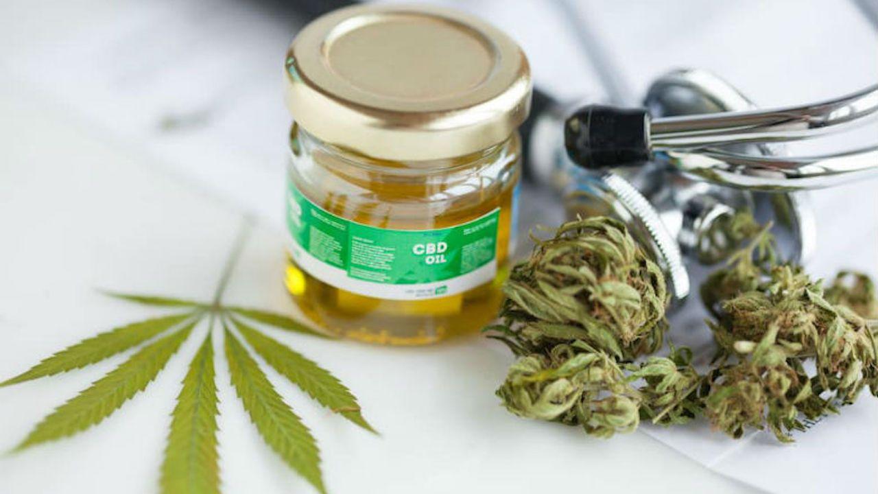 Suprema Corte ordena reglamento sobre uso de marihuana