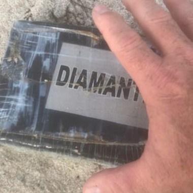 Tras Huracán Dorian, aparecen paquetes de cocaína