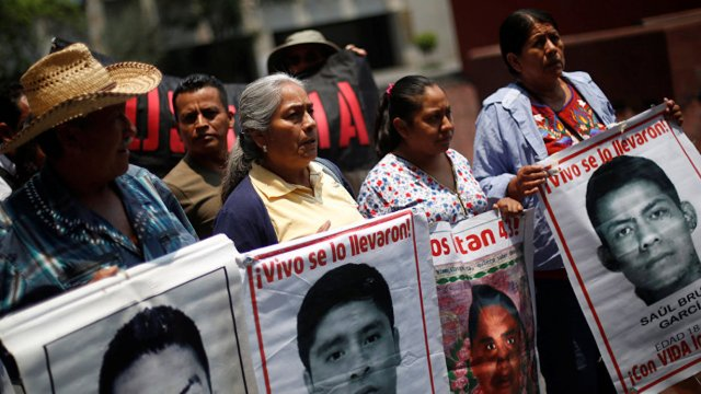 A cinco años, así viven los padres de Ayotzinapa la ausencia
