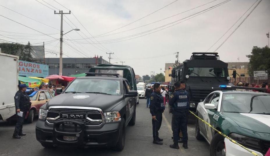 Movilización policiaca en las afueras del Reclusorio Oriente tras motín