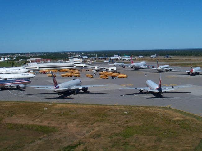 Así se vio el aeropuerto de Gander por varios días tras el 9/11