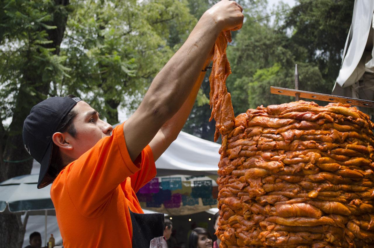 Alcaldesa de Tamaulipas quiere poner impuesto a taqueros