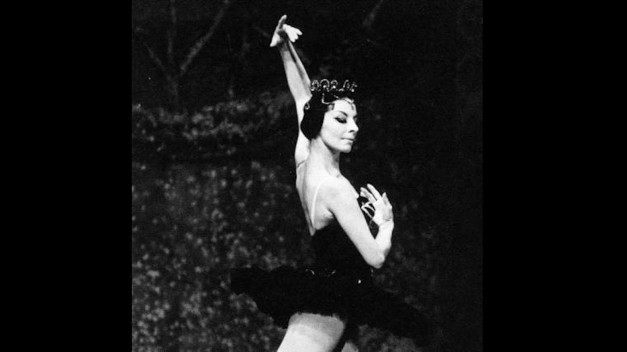 25/12/18 alicia-alonso-muere-bailarina/Alicia Alonso bailando