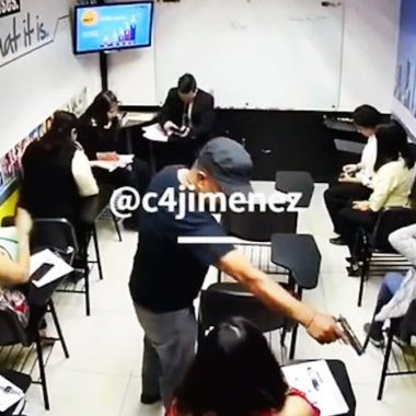 Asaltantes roban en escuelas de idiomas en la Ciudad de México