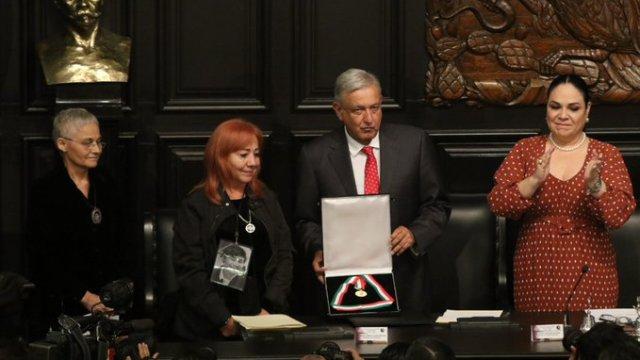 Rosario Ibarra regresó medalla Belisario Dominguez a AMLO