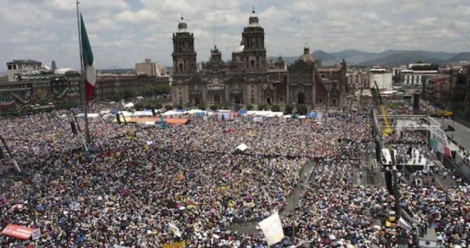 El Zócalo durante el AMLO Fest