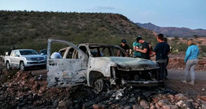 Carro familia Lebarón tras ataque de narcos