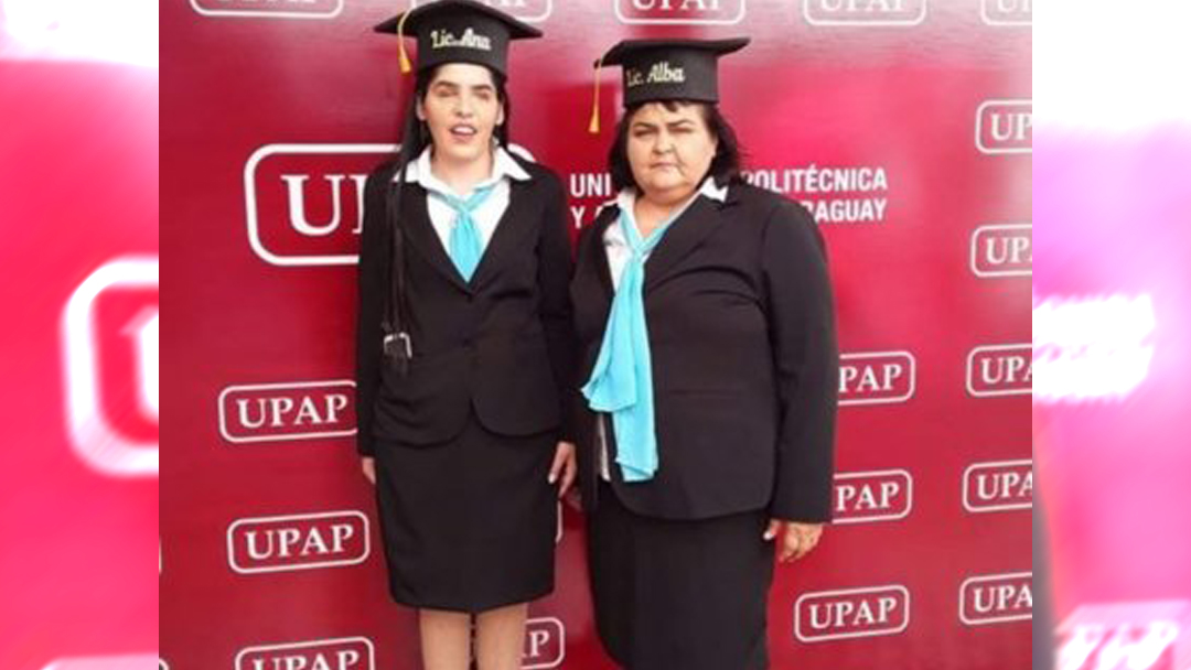 19/11/19, Madre, Hija, Ciega, Universidad