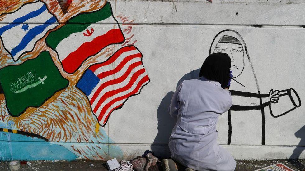 Mujeres En Irak Protestan Pintando Murales