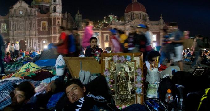 Guadalupanos Mexicanos en la Basícila de la Virgen de Guadalupe