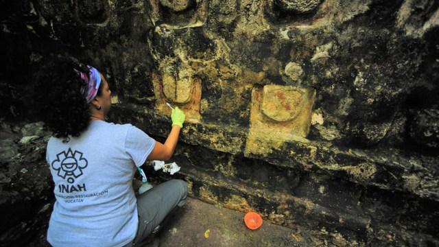 Arqueologos del INAH encontraron en Cancun descubrieron las ruinas de un palacio que creen que se remonta a la altura de la civilizacion maya, hace 1,000 años