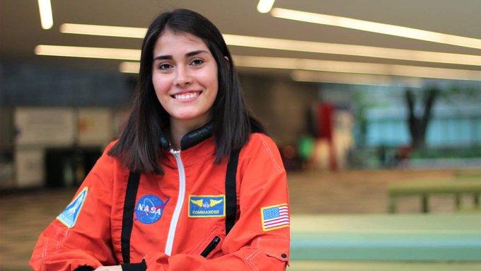 Estefania Oseguera es una joven mexicana que quiere ser astronauta y traajara para la universidad de tokio