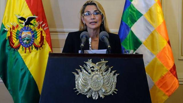 Declaran personas no gratas a embajadora mexicana, le dan 72 horas para abandonar el país.