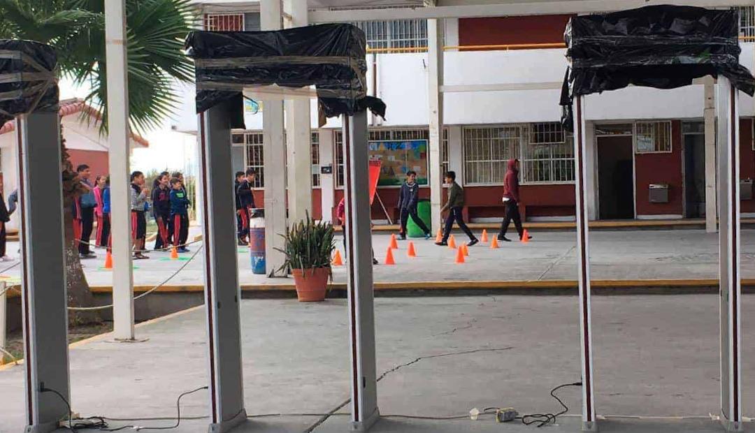 Proponer instalar detectores de metal en escuelas de Coahuila.