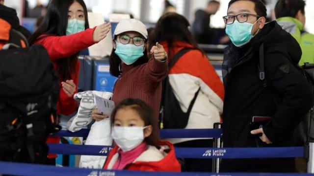 En China se registraron 106 fallecimientos y al menos 4 mil 500 casos de coronavirus confirmados