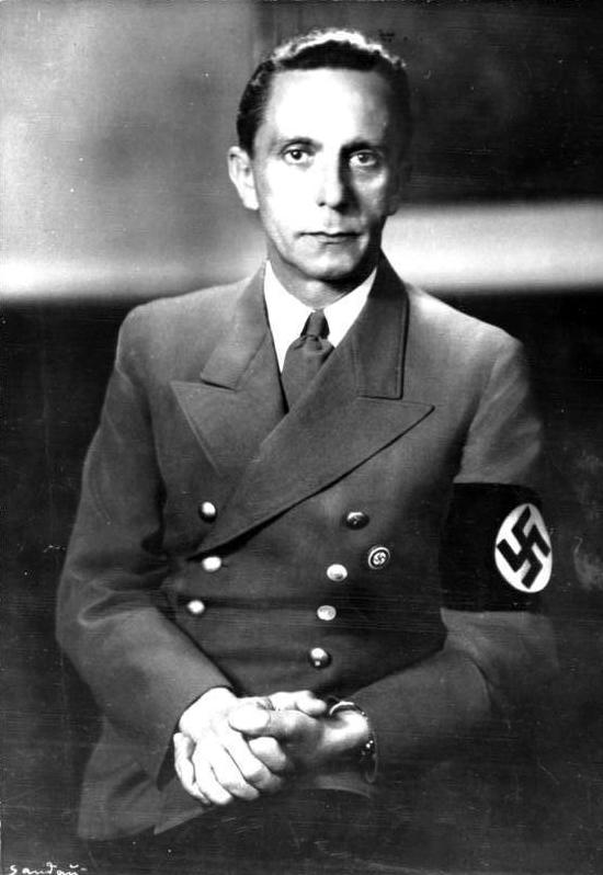 Bolsonaro despide a secretario de Cultura por citar a Goebbels.