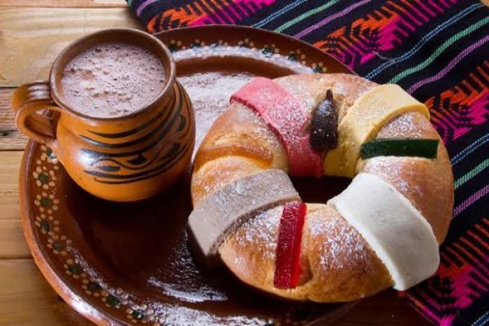 Advierte IMSS sobre índice de calorías en Rosca de Reyes.