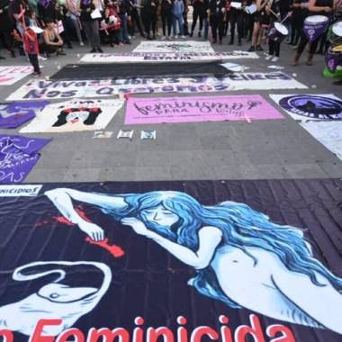 Proponen #UnDíaSinMujeres como protesta ante feminicidios